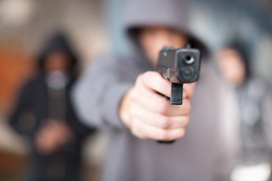 gun-toting robber beat down texas