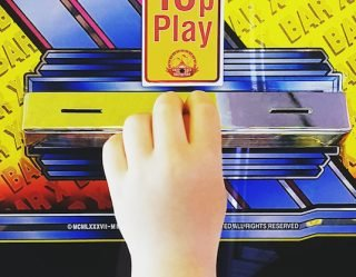 C'mon Guys: Dad Uses Toddler to Steal Prizes From Vending Machine