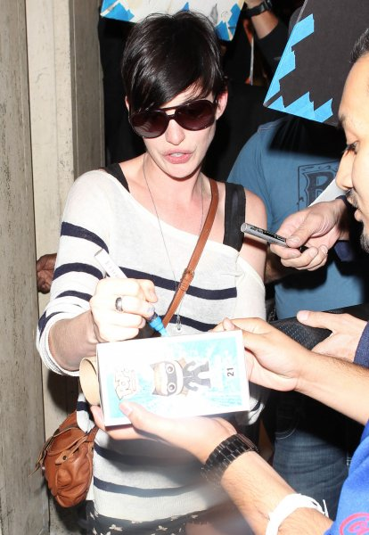 Anne Hathaway arrives at Los Angeles International (LAX) airport