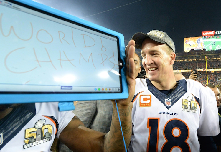 Peyton Manning walks off the field for the 2nd time as a World Champ!