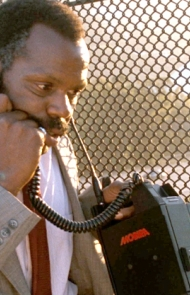 Lethal Weapon' had the first cell phone in a movie (1987)