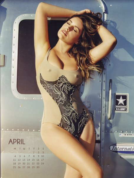 Kelly Brook 2016 Calendar