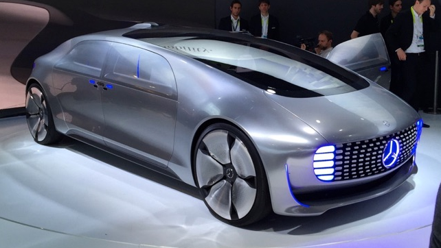 ces 2015 mercedes f 015 brings luxury to self driving cars. Black Bedroom Furniture Sets. Home Design Ideas
