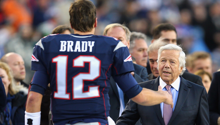 FOXBORO, MA - DECEMBER 06: Tom Brady #12 of the New England Patriots talks with Patriots owner Robert Kraft before the game against the Philadelphia Eagles the game at Gillette Stadium on December 6, 2015 in Foxboro, Massachusetts. (Photo by Maddie Meyer/Getty Images)
