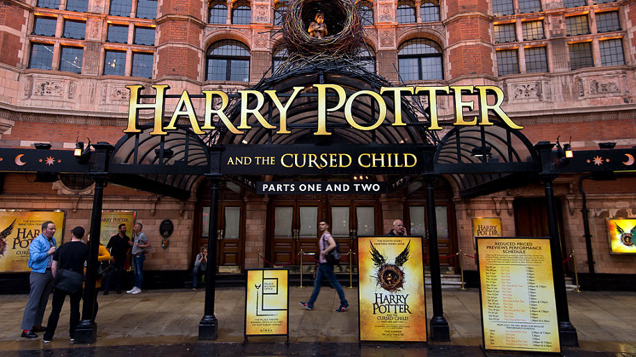 Harry-Potter-and-the-cursed-child-book-2