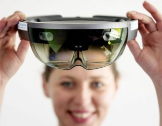 Future Tech: Microsoft Brings HoloLens to the Battlefield for U.S. Army