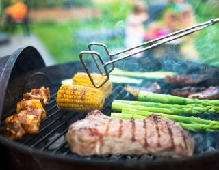 Break Out the Grill: Clutch Foods to Kick Off Summer Cookouts This Memorial Day