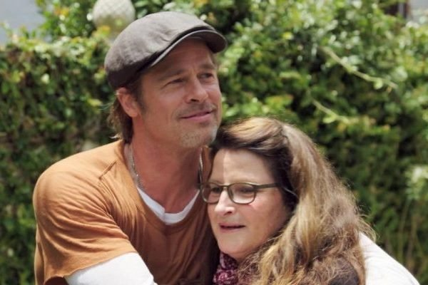 Brad Pitt Renovates Makeup Artist's Studio on HGTV Debut (Is There Nothing This Guy Can't Do?)