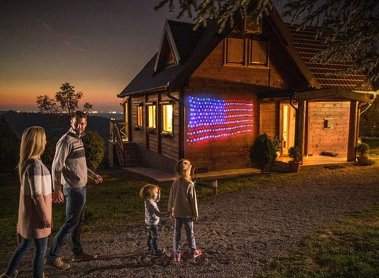 Kazoku's LED Light-Up American Flag In Red, White and Blue
